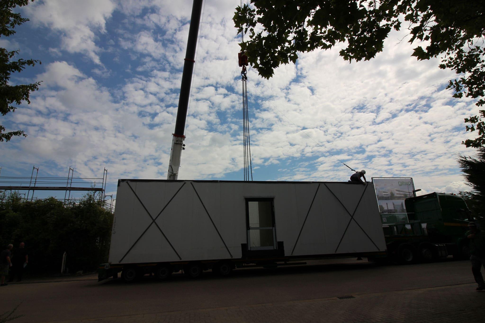 Krandienst Kranarbeiten ATF400 Speyer Raummodule-setzen für Alho